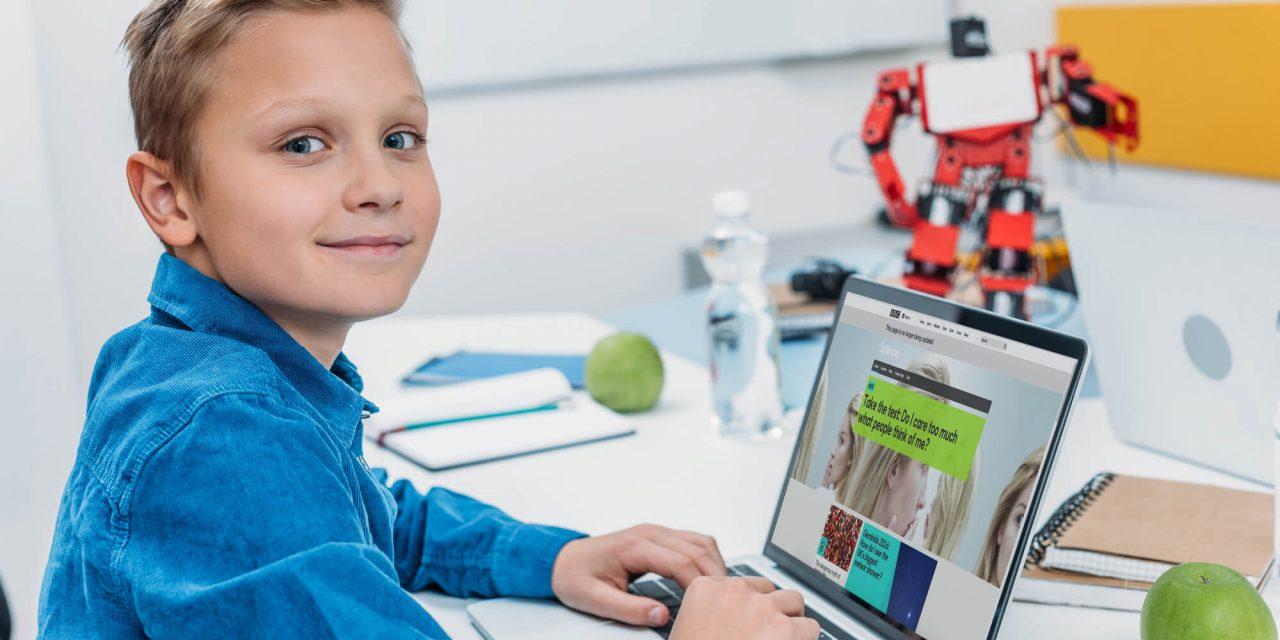 Conheça o papel da tecnologia na educação infantil